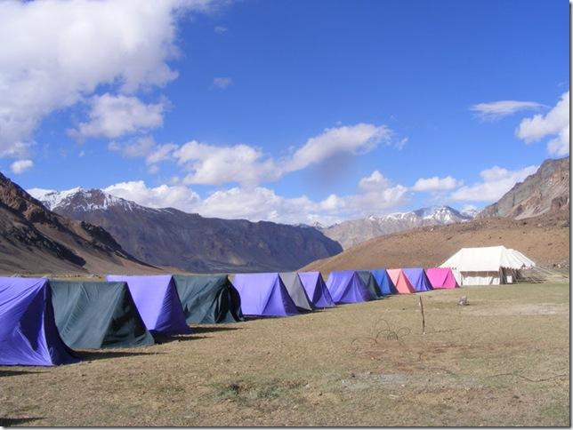 sarchu tents
