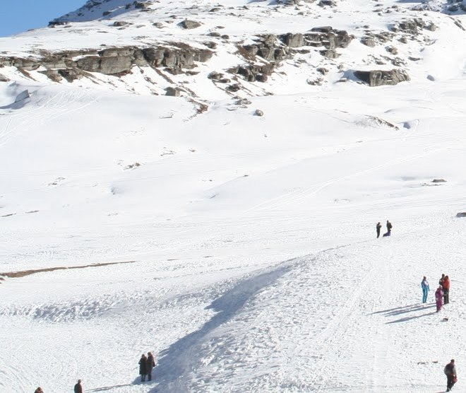 Rohtang Pass faces fresh spell of snow
