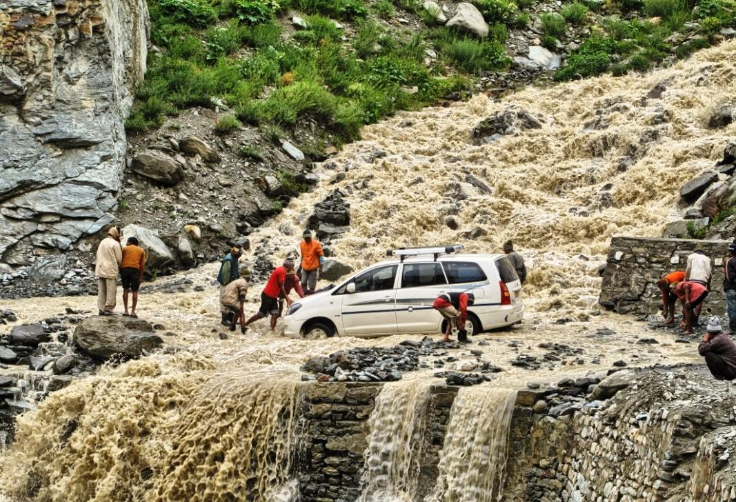 Manali to Leh Ladakh taxi service