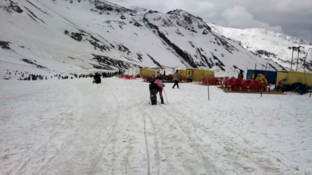 Rohtang Pass strike ends 2015